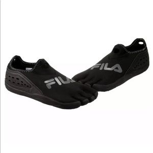 FILA SkeleToes Five Fingers Athletic Shoes
